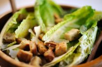 Классический рецепт салата «Цезарь»